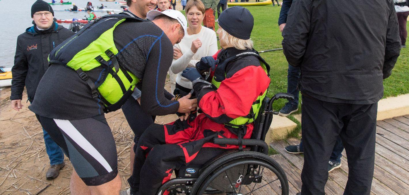 Ratastoolis mees läbis Võhandu maratoni.
